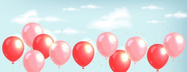 Realistische luftballons und goldene konfetti, blauer hintergrund, klarer himmel, realistische wolken lieben dekoration, valentinstag, romantisch