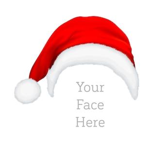 Realistische rote weihnachtsmannhutikone lokalisiert auf weißem hintergrund. designvorlage zubehör der weihnachts- und neujahrsparty für app, web etc.