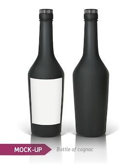 Realistische schwarze flaschen cognac auf einem weißen hintergrund mit reflexion und schatten