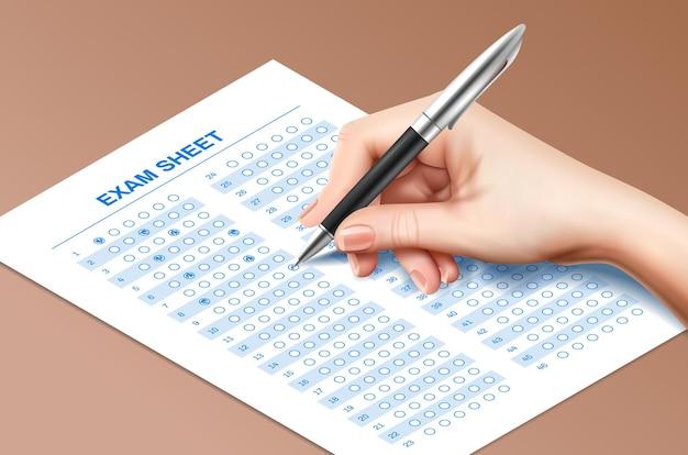 Realistische testpapier-handstiftzusammensetzung mit menschlicher hand, die prüfungsblatt mit kugelschreiber ausfüllt