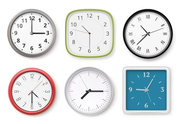 Realistische uhren. moderne wanduhren business chronometer zifferblatt pfeile helle und dunkle vorlagen. sammlung uhr büro, zeituhr realistische illustration