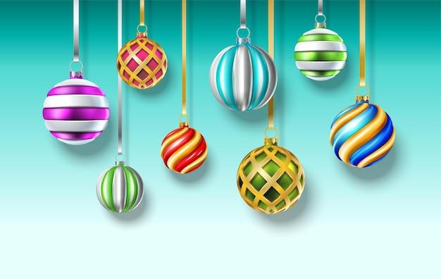 Realistische vektor weihnachtskugeln hängenden hintergrund