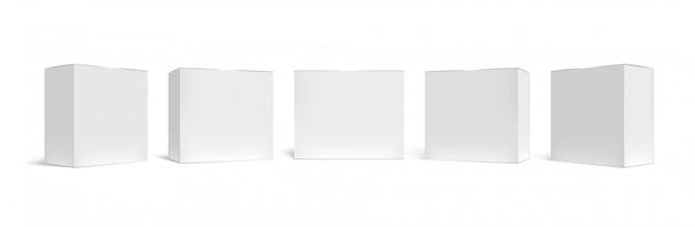 Realistische verpackungsbox. weiße pappkartons, medizinischer fall und horizontale rechteckige packung 3d-vorlagensatz. geschlossene quadratische pakete. leere kartonbehälter lokalisiert auf weißem hintergrund