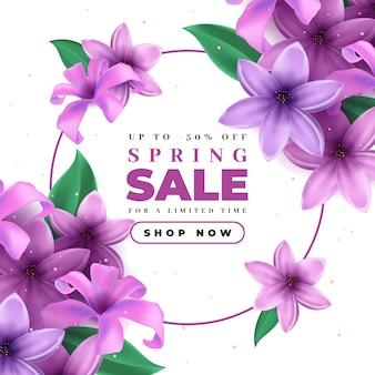 Realistischer frühlingsverkauf mit blühenden violetten blumen