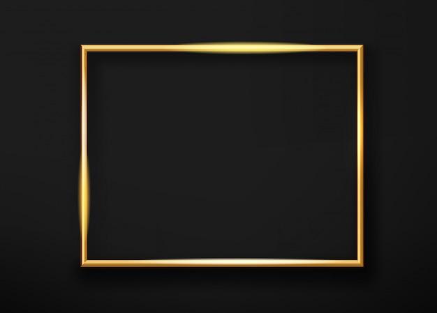 Realistischer goldhorizontaler glänzender bilderrahmen auf einer schwarzen wand. vektor-illustration