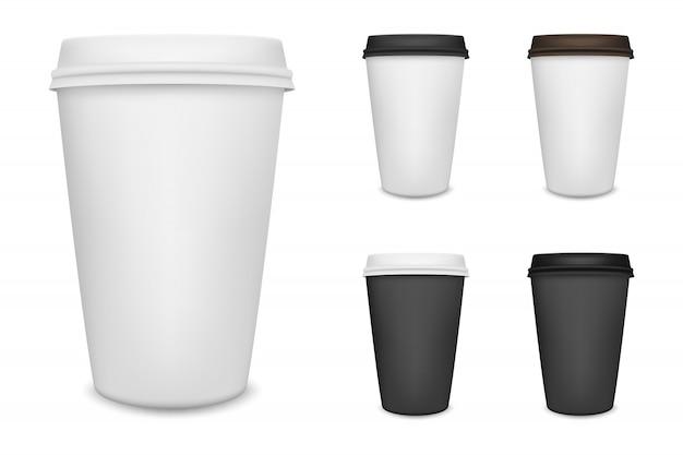 Realistischer kaffeetassesatz des leeren papiers lokalisiert auf weißem hintergrund.