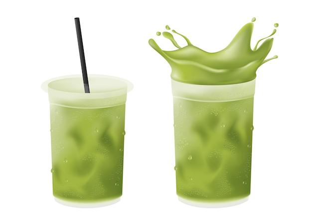 Realistischer matcha latte mit kaltem eistee aus grünem tee im plastikbecher