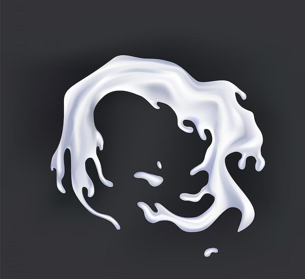 Realistischer milchspritzer. gießen von weißer flüssigkeit oder milchprodukten.
