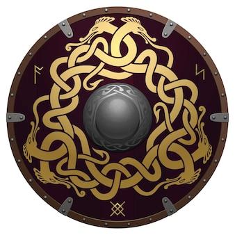 Realistischer runder schild der wikinger. mittelalterliche holzrüstung mit eisendetails. der schild ist mit alten runen und originalen goldenen ornamenten verziert. verwobene nordische drachen auf einem dunkelbraunen feld.