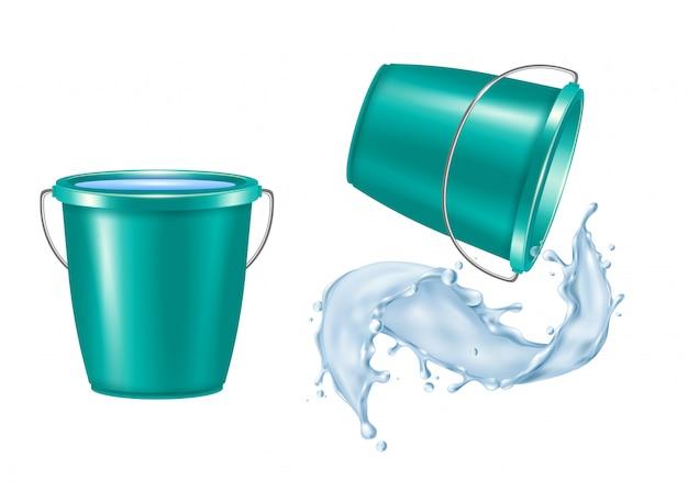 Realistischer satz des plastikeimers mit isolierter vektorillustration des gießenden wassers