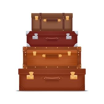 Realistischer stapel von vintage-koffern