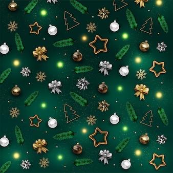 Realistischer weihnachtsmusterhintergrund mit goldenen und silbernen kugeln