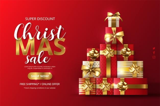 Realistischer weihnachtsverkaufshintergrund mit baum aus geschenken