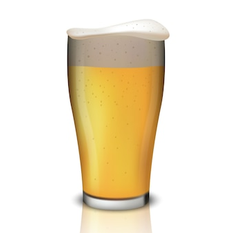 Realistisches bier im glas