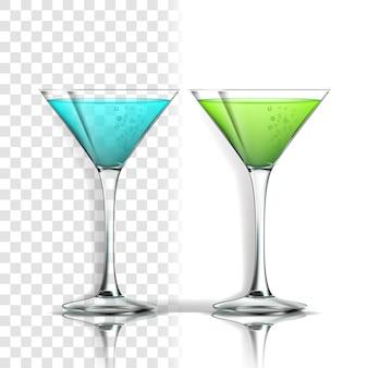 Realistisches glas mit alkoholischem cocktail