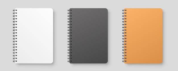 Realistisches leeres notizbuch. notizblock mit schatten.