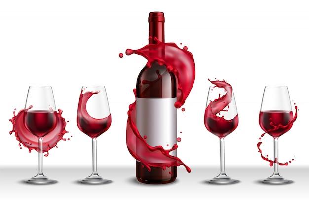 Realistisches set mit einer flasche rotwein und vier mit getränken gefüllten trinkgläsern
