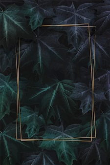 Rechteckiger goldrahmen an hand gezeichneter purpurroter grüner ahornblatt-gemusterter hintergrundvektor
