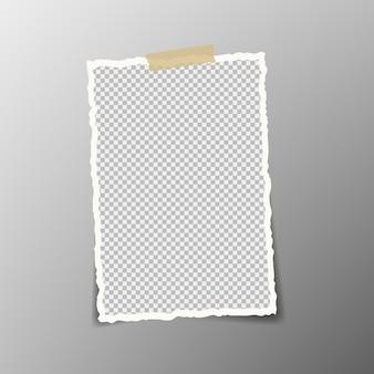 Rechteckiges quadratisches zerlumptes papierfragment mit weichem schatten