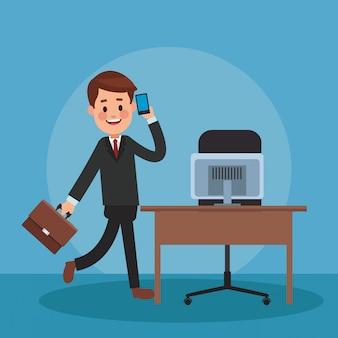 Rechtsanwalt, der mit smartphone im büro spricht