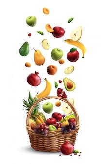 Reife früchte fallen in den traditionellen weidenkorb mit realistischer zusammensetzung des griffs mit birnenbananenapfel