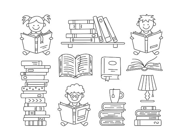 Reihe von büchern und lesenden kindern. handgezeichnete kleine kinder, die offene bücher halten und lesen. satz von vektorillustrationen isoliert auf weißem hintergrund im doodle-stil. bearbeitbarer strich.