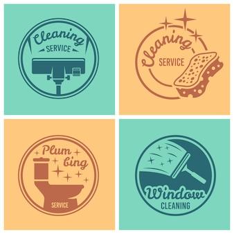Reinigungs- und sanitärservice-set mit vier runden abzeichen, etiketten oder emblemen