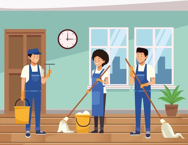 Reinigungspersonal des reinigungsteams mit ausrüstungswerkzeugen
