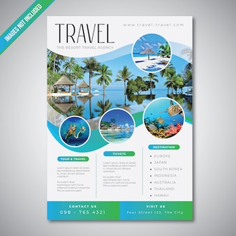 Reise- und tourismusflugblatt mit blauer seefarbschablone