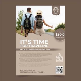 Reiseplakat mit rabattschablone