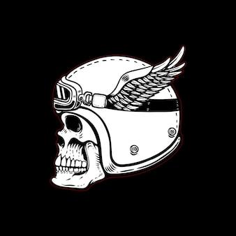 Rennfahrerschädel im geflügelten helm auf schwarzem hintergrund