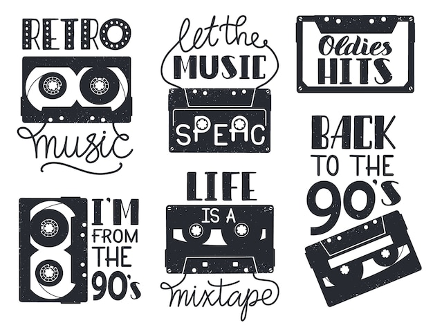 Retro kassettenbeschriftung. hand gezeichnete retro-musik-audio-kassetten-phrasen, audioaufzeichnungsband-beschriftungssymbole eingestellt. illustration musikkassette hand gezeichnet, vintage 90er schriftzug