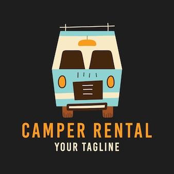 Retro-wohnwagen über camper rental und your slogan-inschriften auf dem t-shirt-design dargestellt