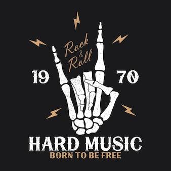 Rockmusik-print mit skeletthand und blitz vintage-rocknroll-logo mit grunge