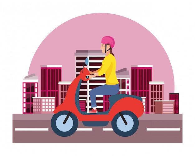 Roller-motorrad der jungen frau reit