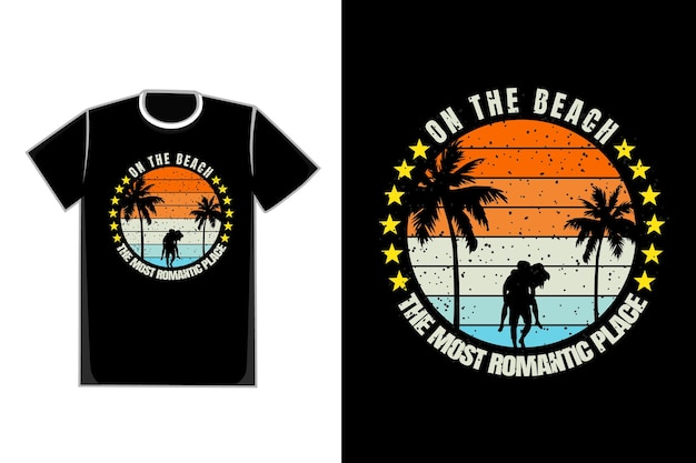 Romantisches paar der t-shirt-silhouette am strand