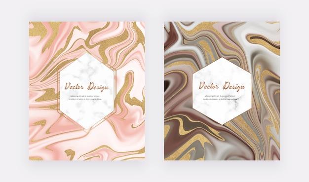 Rosa und braune goldene flüssige tintenmalkarten mit geometrischen marmorrahmen.