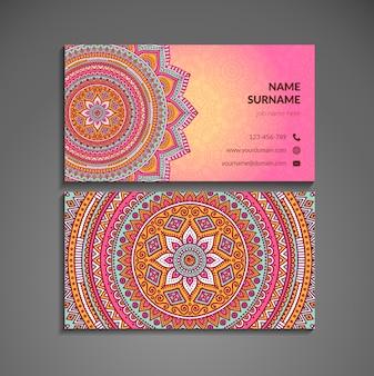Rosa visitenkarte mit mandala im boho-stil