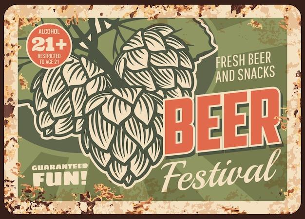Rostige metallplatte des bierfestivals