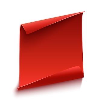 Rote gekrümmte papierrolle lokalisiert auf weißem hintergrund