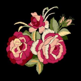 Rote rosenstickerei auf schwarzem hintergrund, satinstichimitation ,.