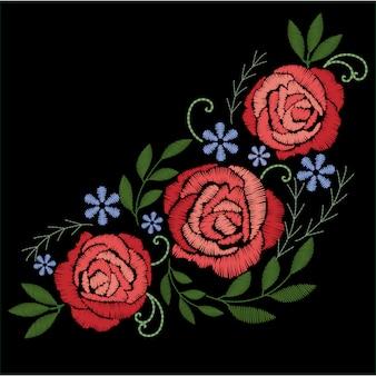 Rote rosenstickerei mit blauen blumen auf schwarzem hintergrund.