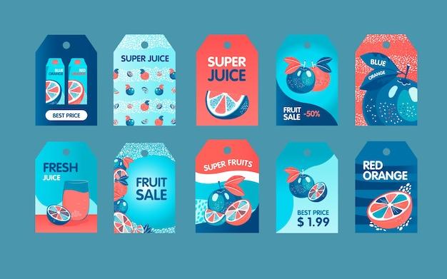 Rote und blaue orangen-tags gesetzt. ganze und geschnittene früchte, packung saftvektorillustrationen mit text. lebensmittel- und getränkekonzept für frische baretiketten, grußkarten, postkartenentwurf