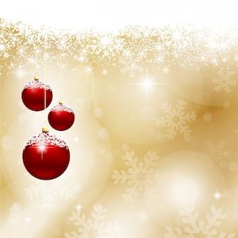 Rote weihnachtskugeln auf goldenem hintergrund