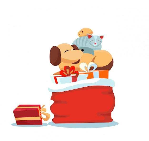 Rote weihnachtsmann-tasche mit weihnachtsgeschenken auf weiß