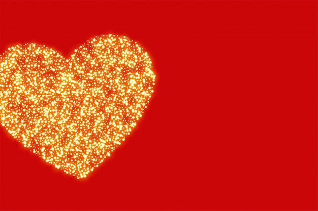 Roter hintergrund mit goldenem funkelnherzen