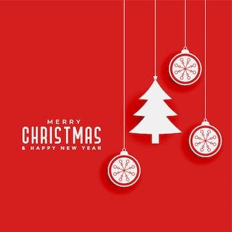 Roter hintergrund mit weihnachtsbaum und bällen