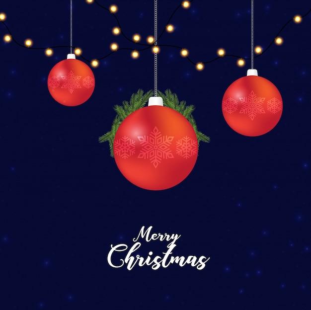 Roter weihnachtsball mit blauem hintergrundtext