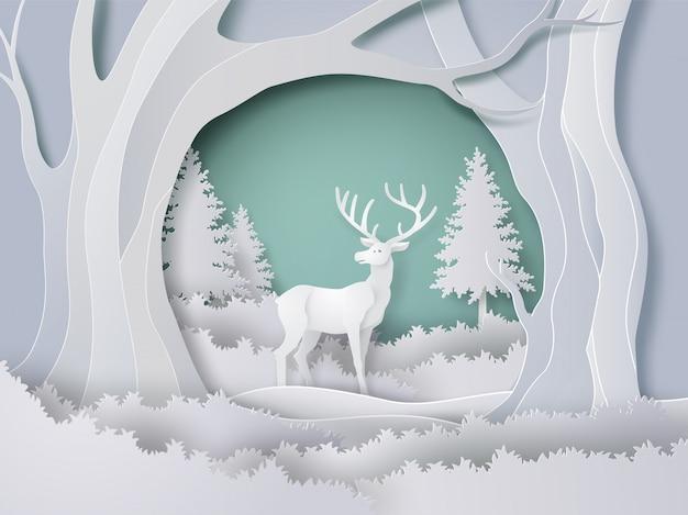 Rotwild im wald mit schnee in der wintersaison und im weihnachten