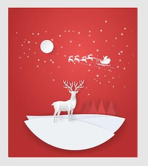 Rotwild im wald mit schnee, weihnachtsmann in der wintersaison. weihnachten, neues jahr